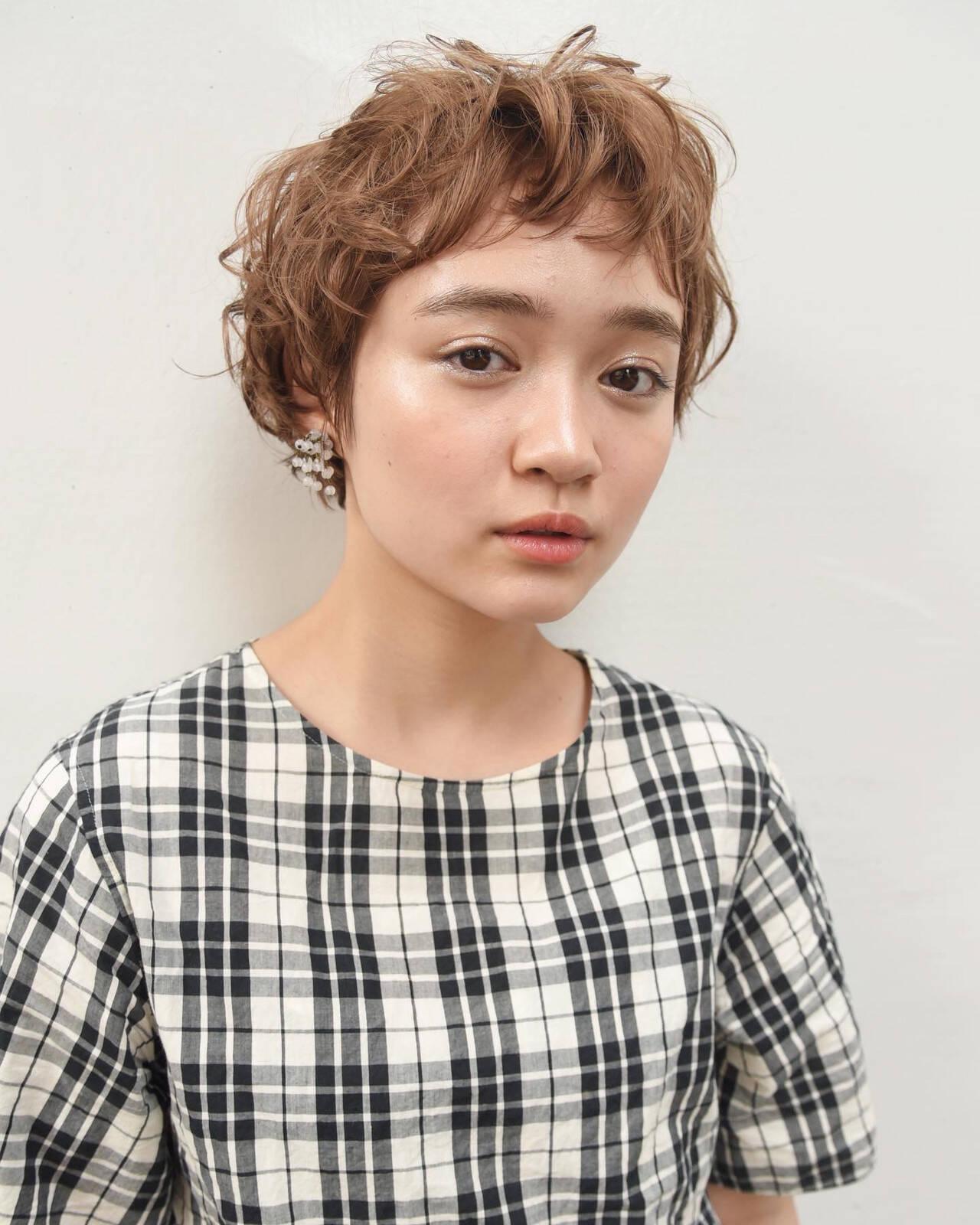 パーマ ショートヘア ナチュラル ベリーショートヘアスタイルや髪型の写真・画像
