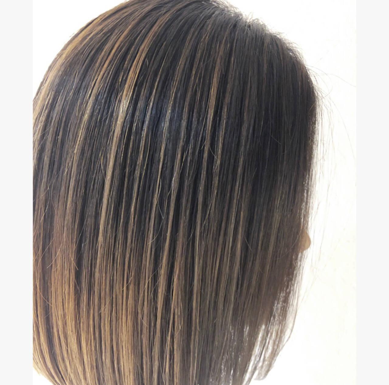 グレージュ ヘアアレンジ ハイライト バレイヤージュヘアスタイルや髪型の写真・画像