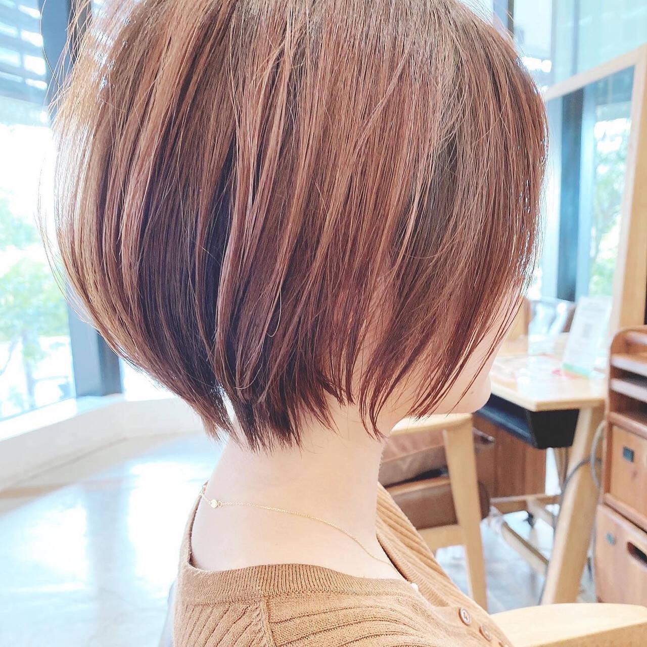 ショートボブ ミニボブ 切りっぱなしボブ ショートヘアスタイルや髪型の写真・画像