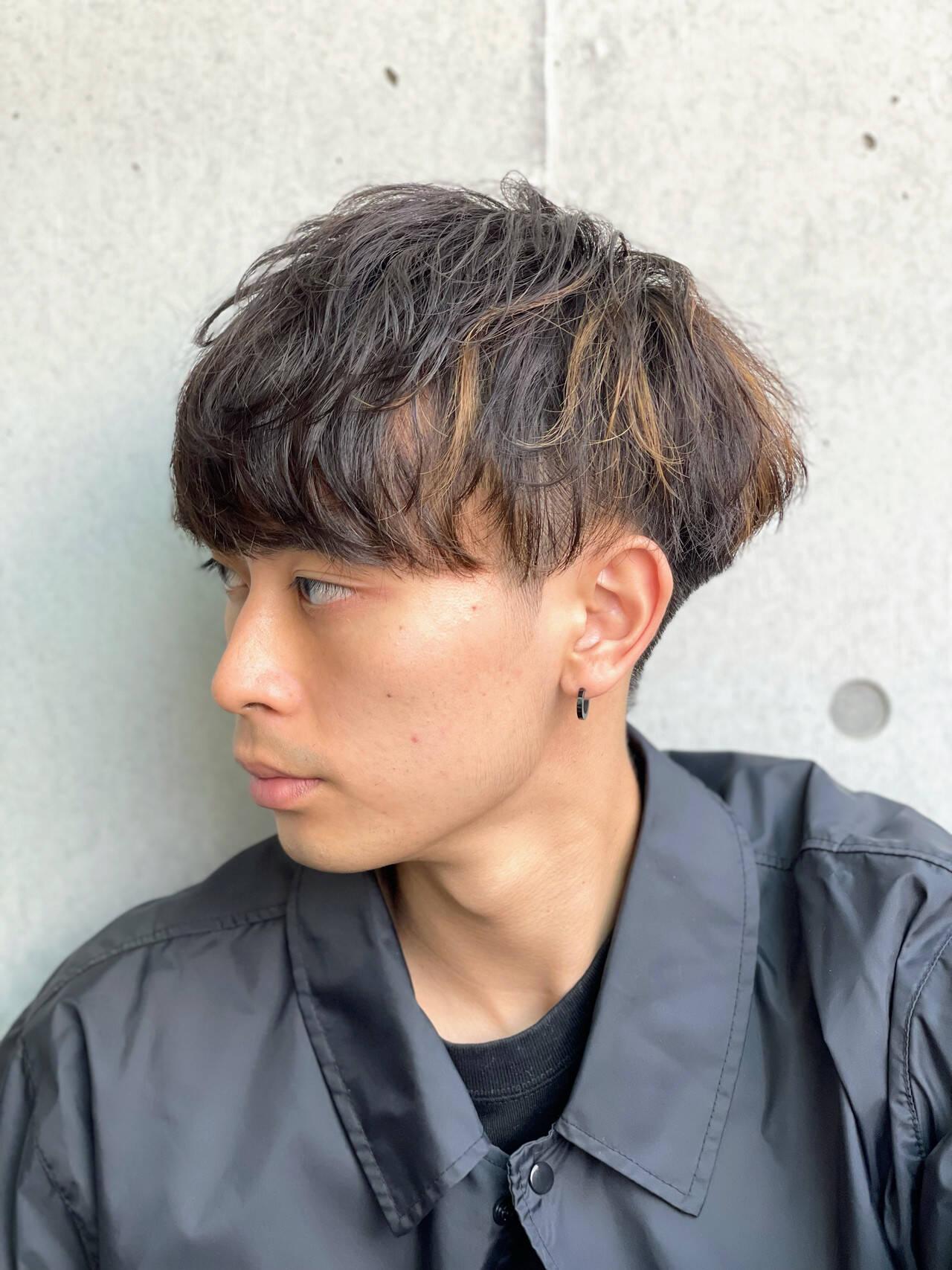 ショート スパイラルパーマ ナチュラル メンズマッシュヘアスタイルや髪型の写真・画像