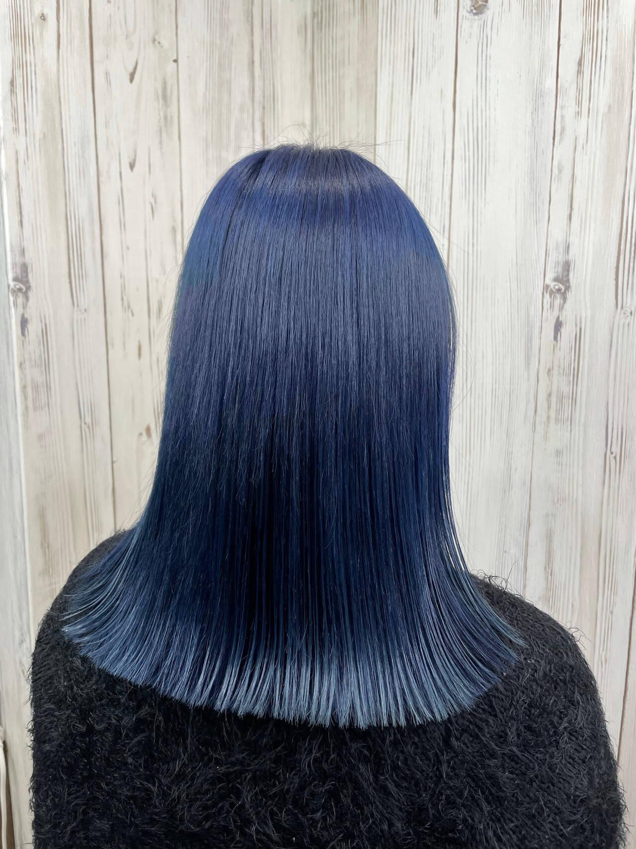 ブルー ミディアム 切りっぱなし 髪質改善トリートメントヘアスタイルや髪型の写真・画像