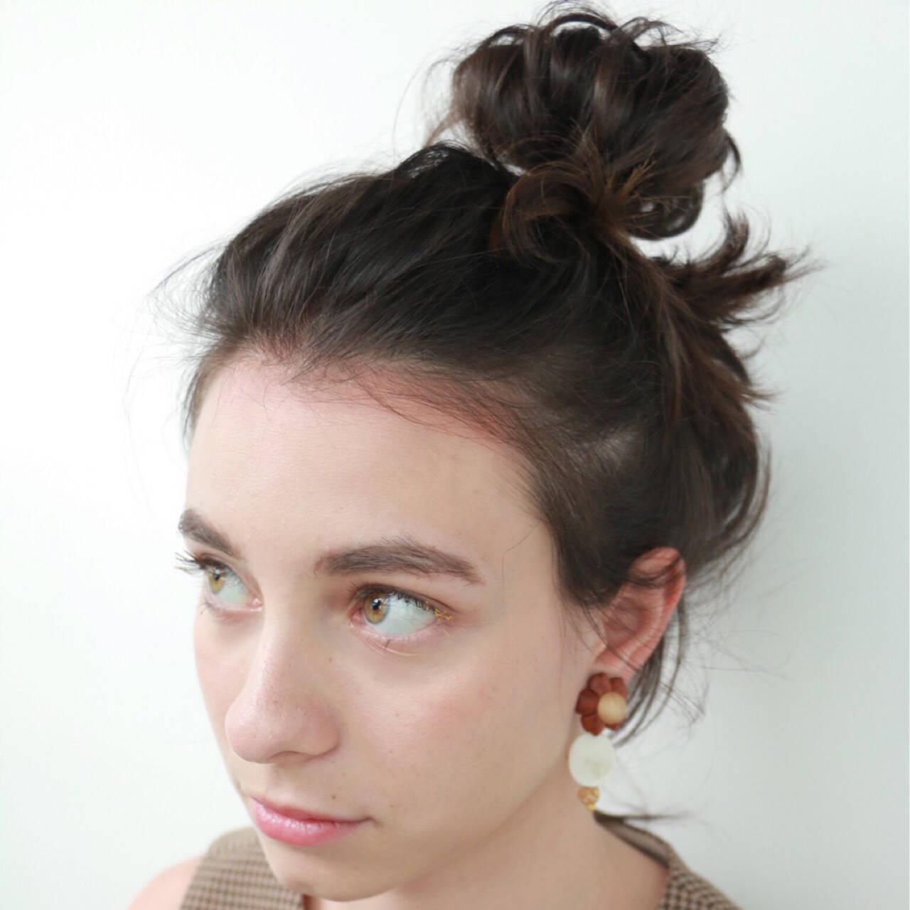 シニヨン ヘアアレンジ お団子 大人かわいいヘアスタイルや髪型の写真・画像