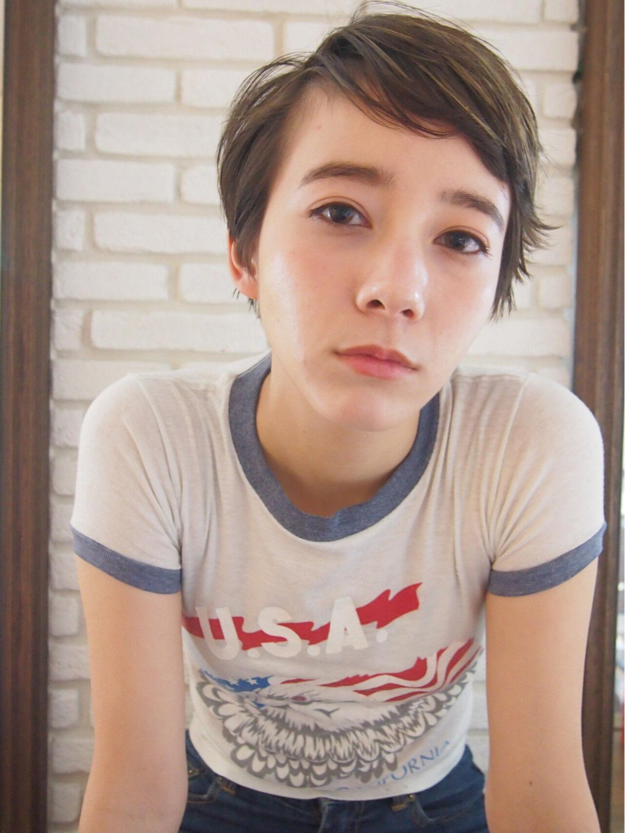ボーイッシュ ショート 大人かわいい ハイトーンヘアスタイルや髪型の写真・画像