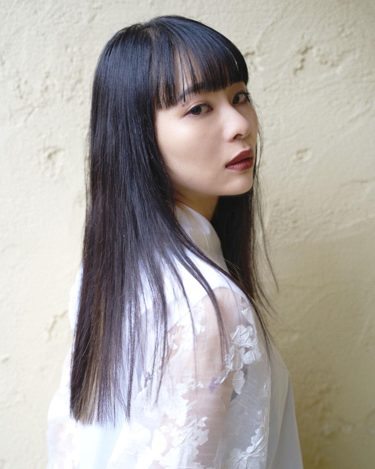 前髪 モード ロング ストレートヘアスタイルや髪型の写真・画像