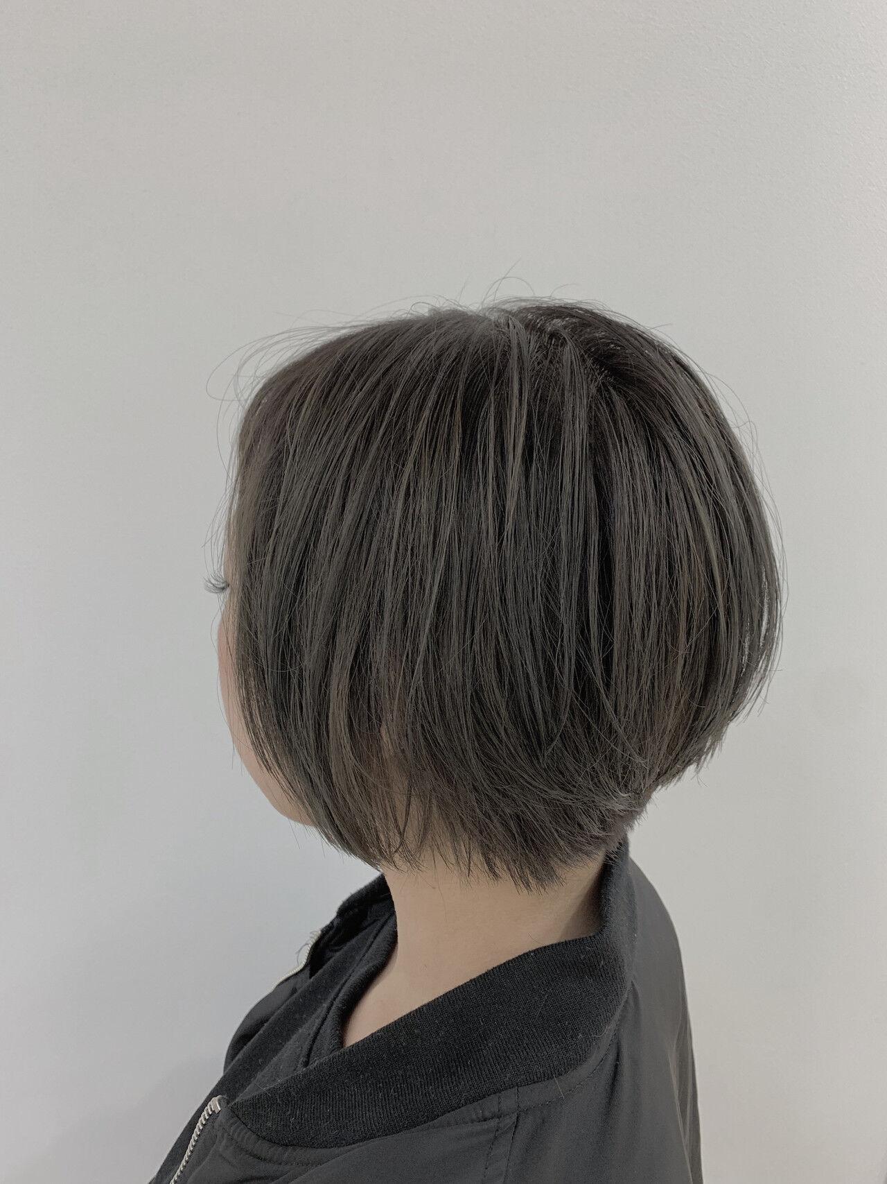 大人グラボブ グレージュ グラボブ アッシュグレーヘアスタイルや髪型の写真・画像