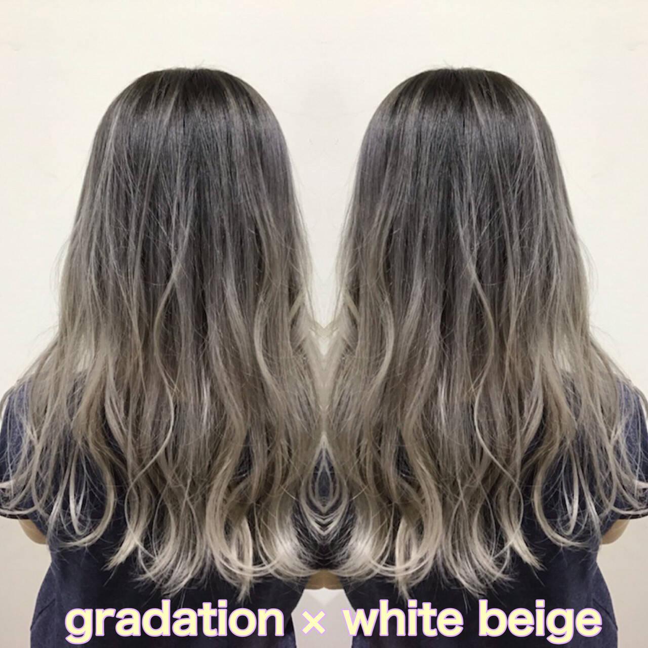 ホワイト セミロング ホワイトグラデーション ストリートヘアスタイルや髪型の写真・画像