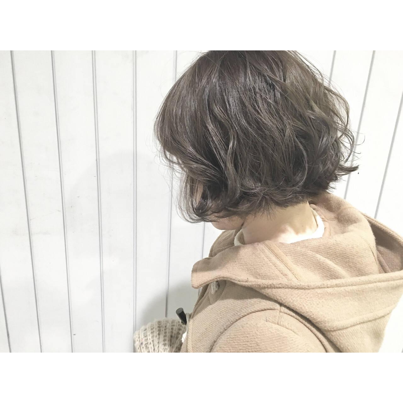 フェミニン ハイライト アッシュ モードヘアスタイルや髪型の写真・画像