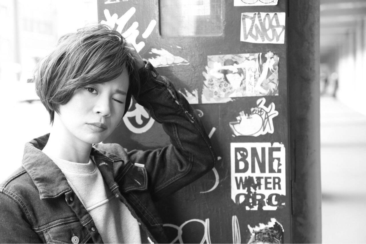 ストレート ショート ストリート 暗髪ヘアスタイルや髪型の写真・画像