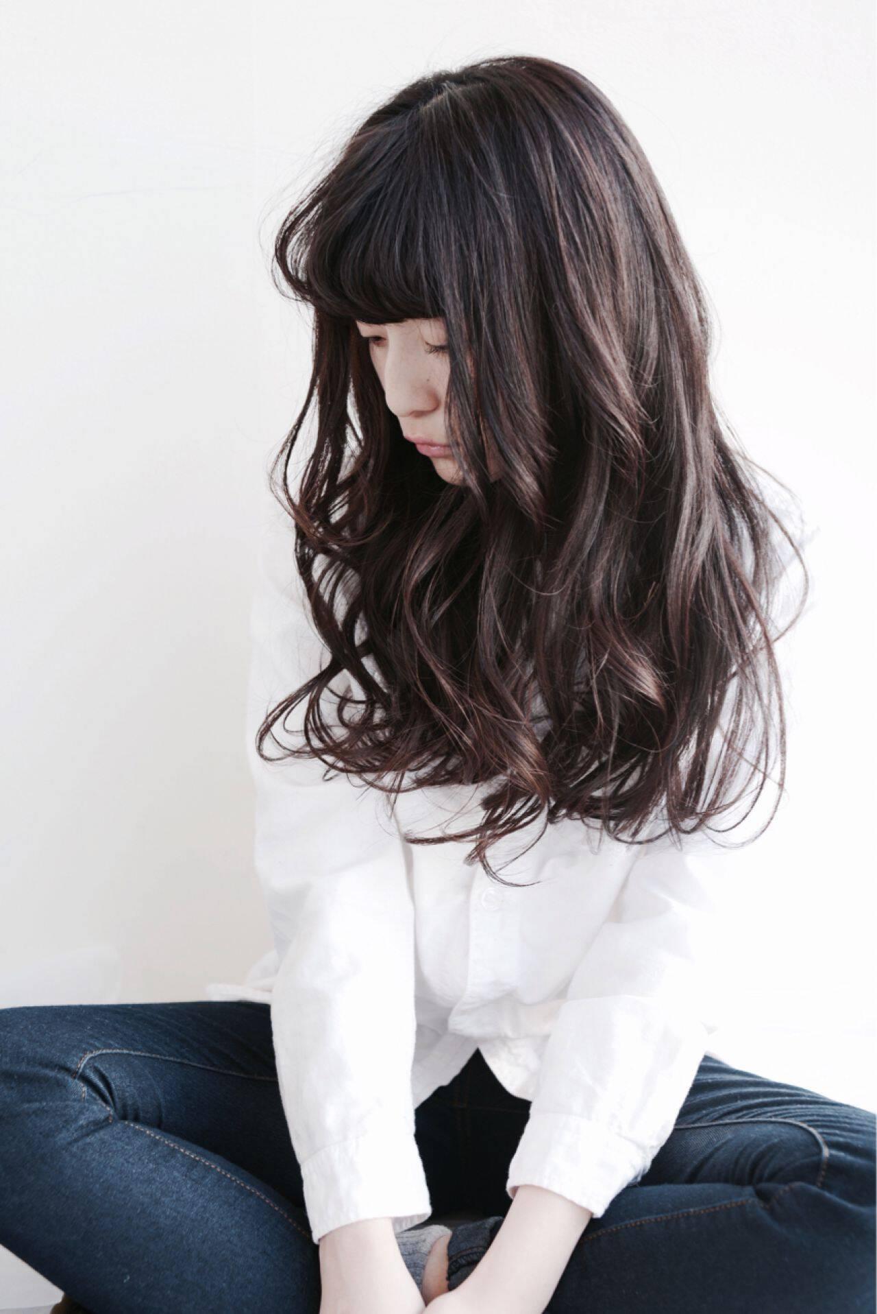 ウェットヘア パンク セミロング ナチュラルヘアスタイルや髪型の写真・画像