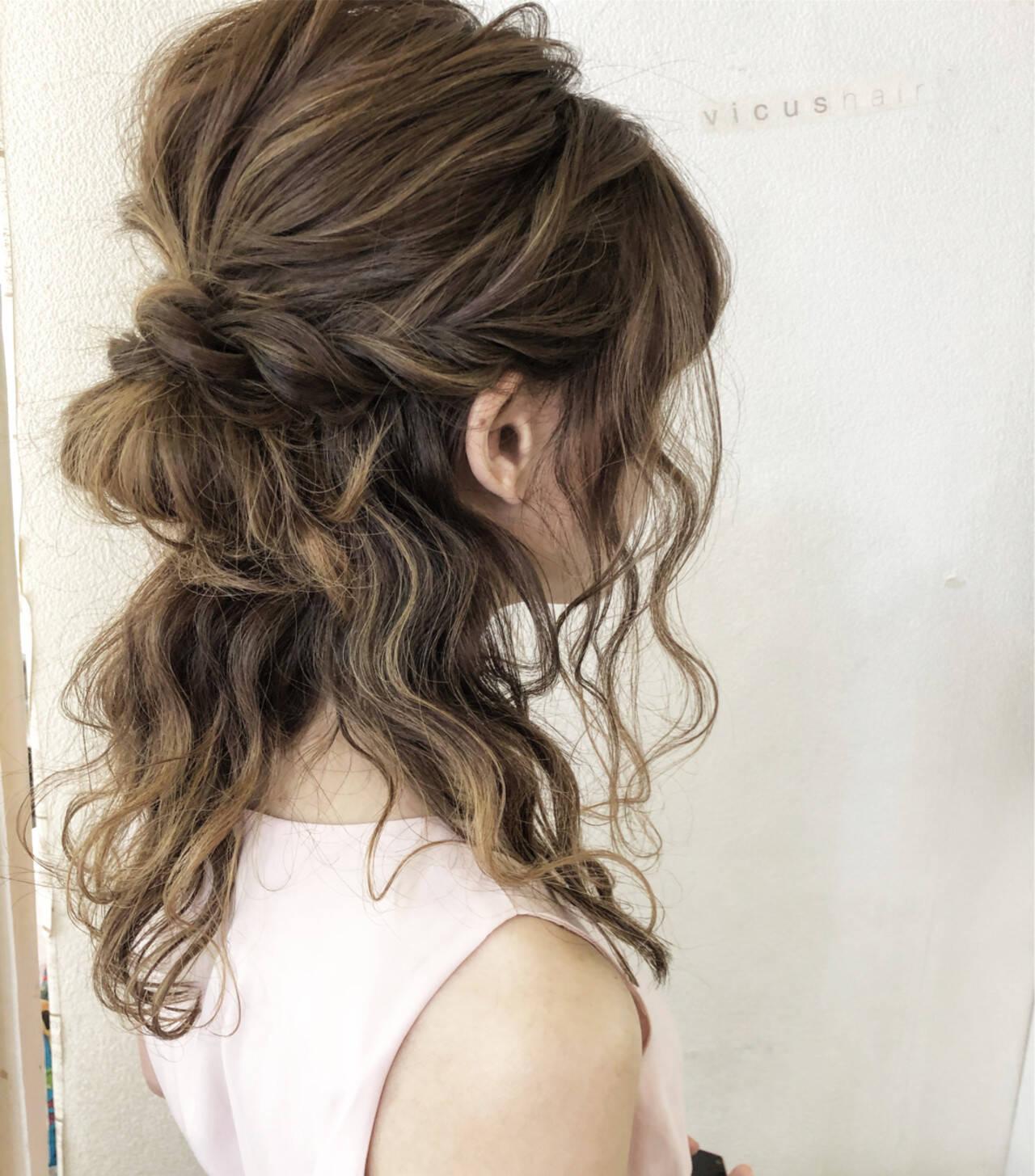 ハーフアップ セミロング ナチュラル ヘアアレンジヘアスタイルや髪型の写真・画像