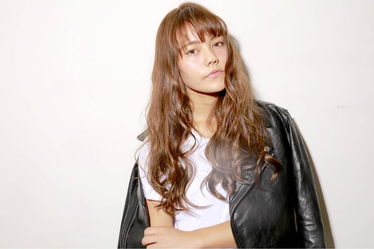 ガーリー ウェーブ アッシュ 外国人風カラーヘアスタイルや髪型の写真・画像