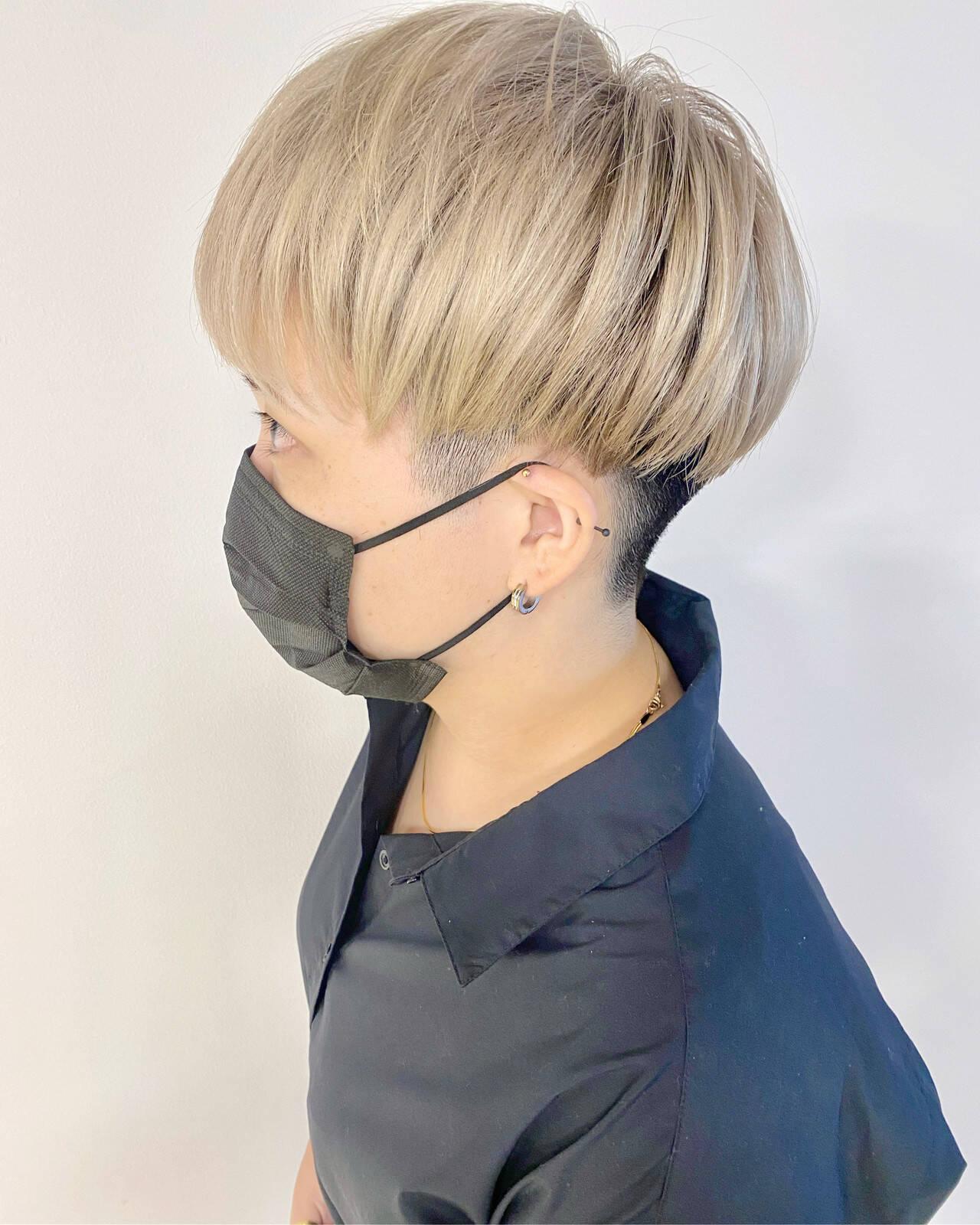 ブロンドカラー モード ショート ブリーチカラーヘアスタイルや髪型の写真・画像