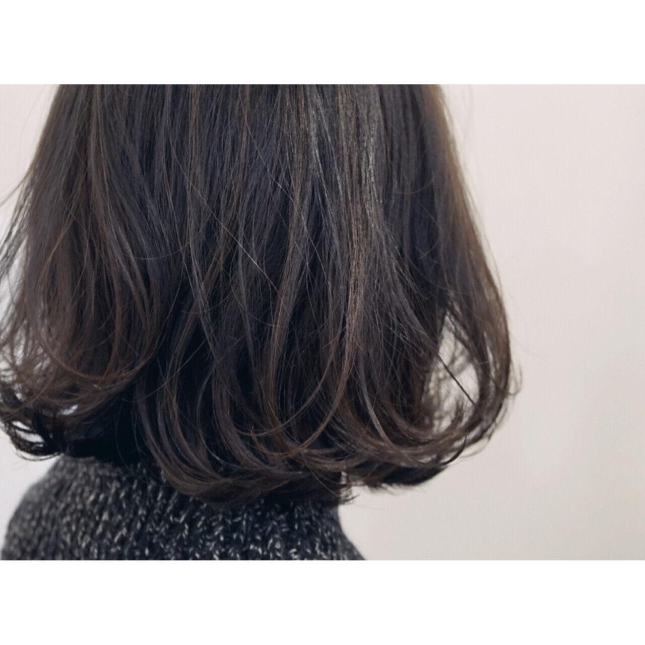大人かわいい アッシュ 外国人風 ナチュラルヘアスタイルや髪型の写真・画像