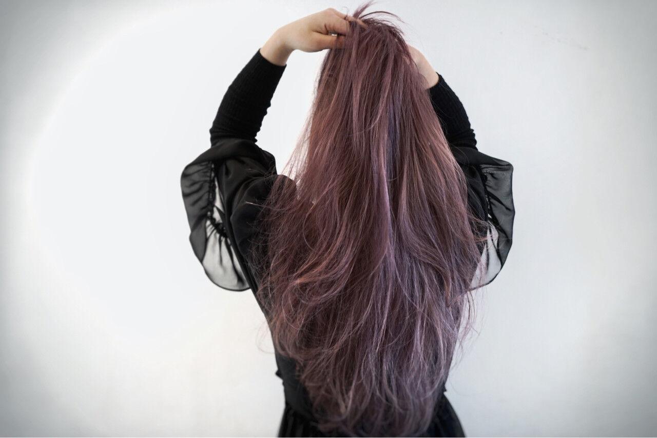 ゆるふわ ロング スモーキーカラー ハイトーンヘアスタイルや髪型の写真・画像