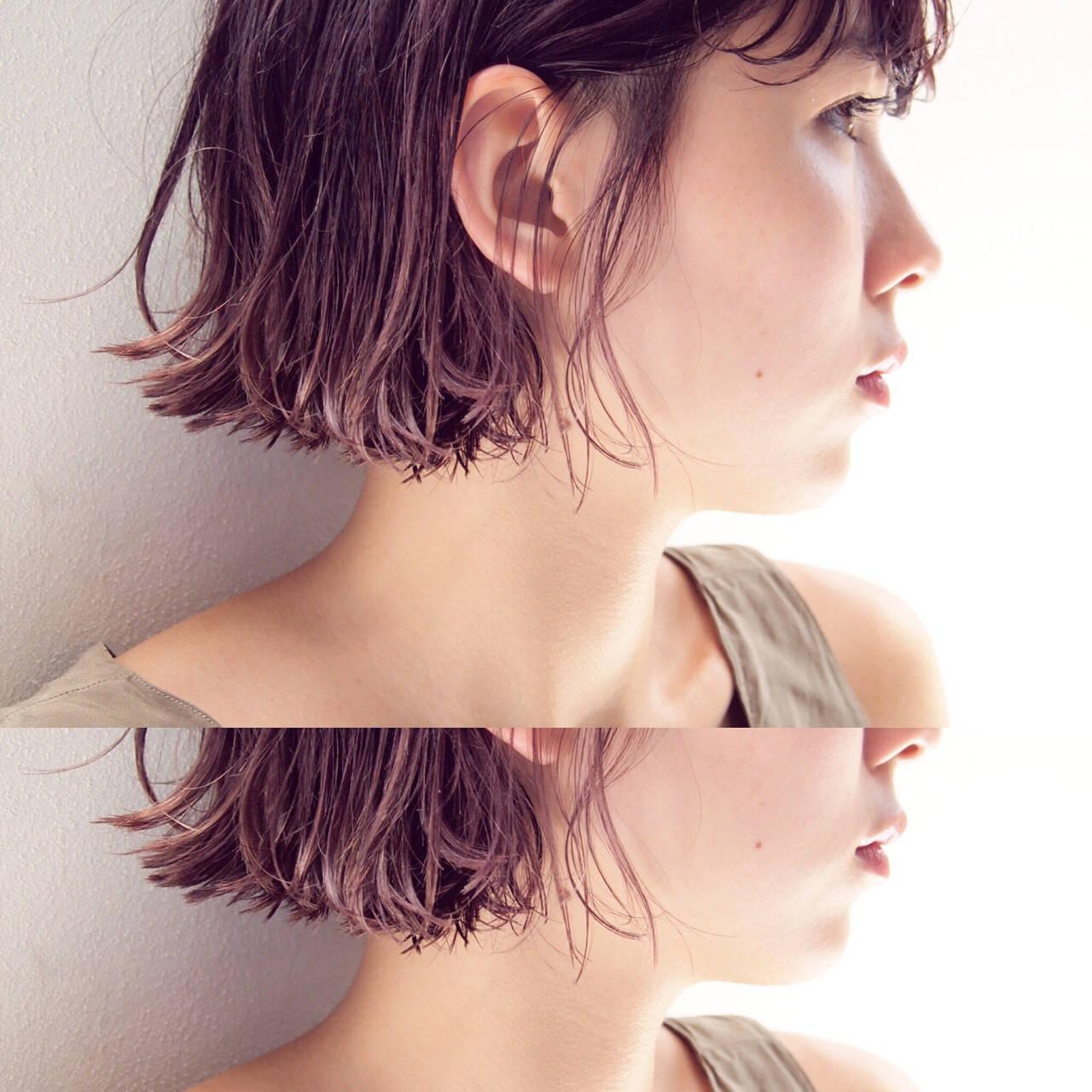 ショート ボブ 切りっぱなし 暗髪ヘアスタイルや髪型の写真・画像