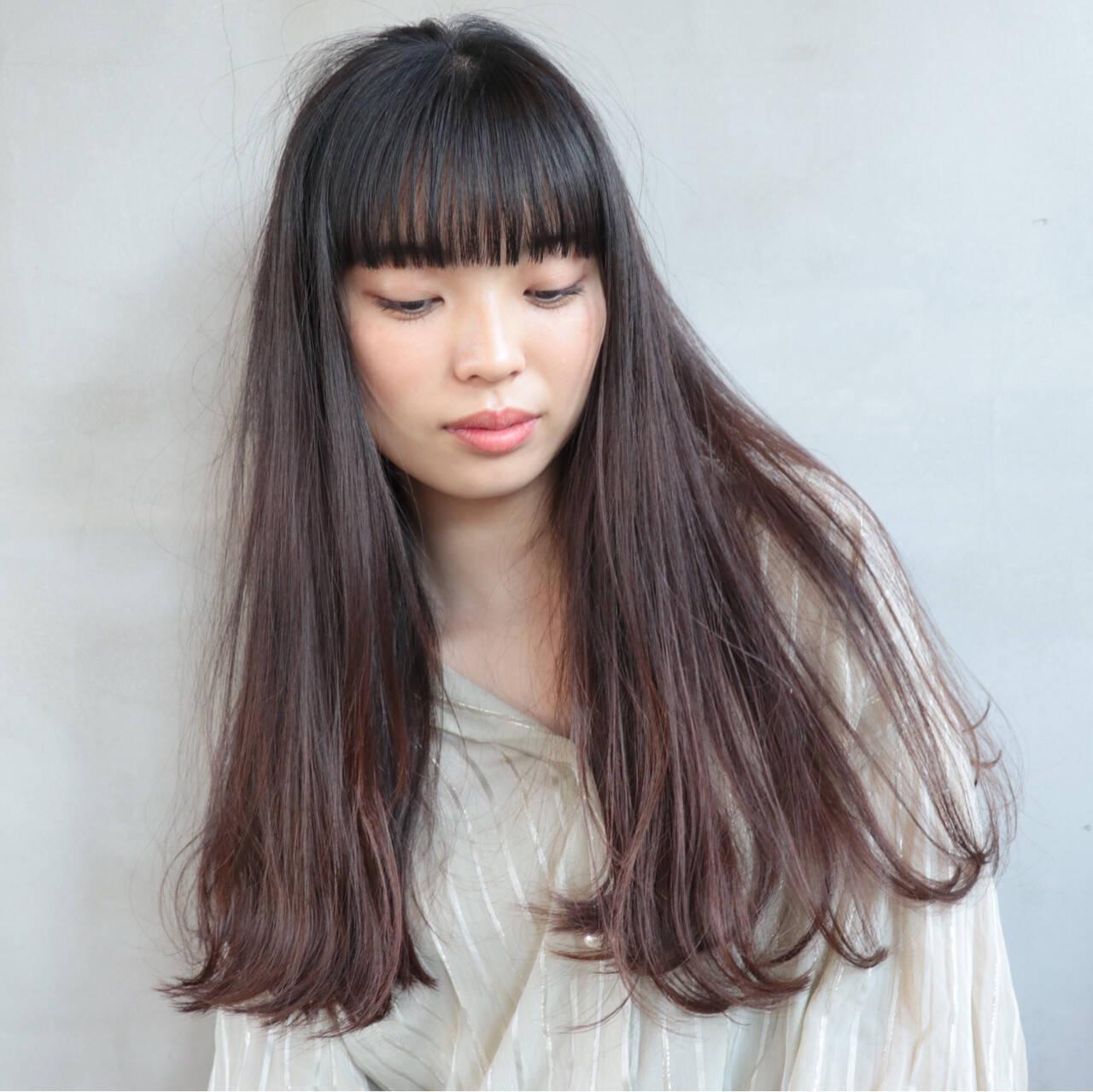 切りっぱなし ロング ブラントカット 透明感ヘアスタイルや髪型の写真・画像