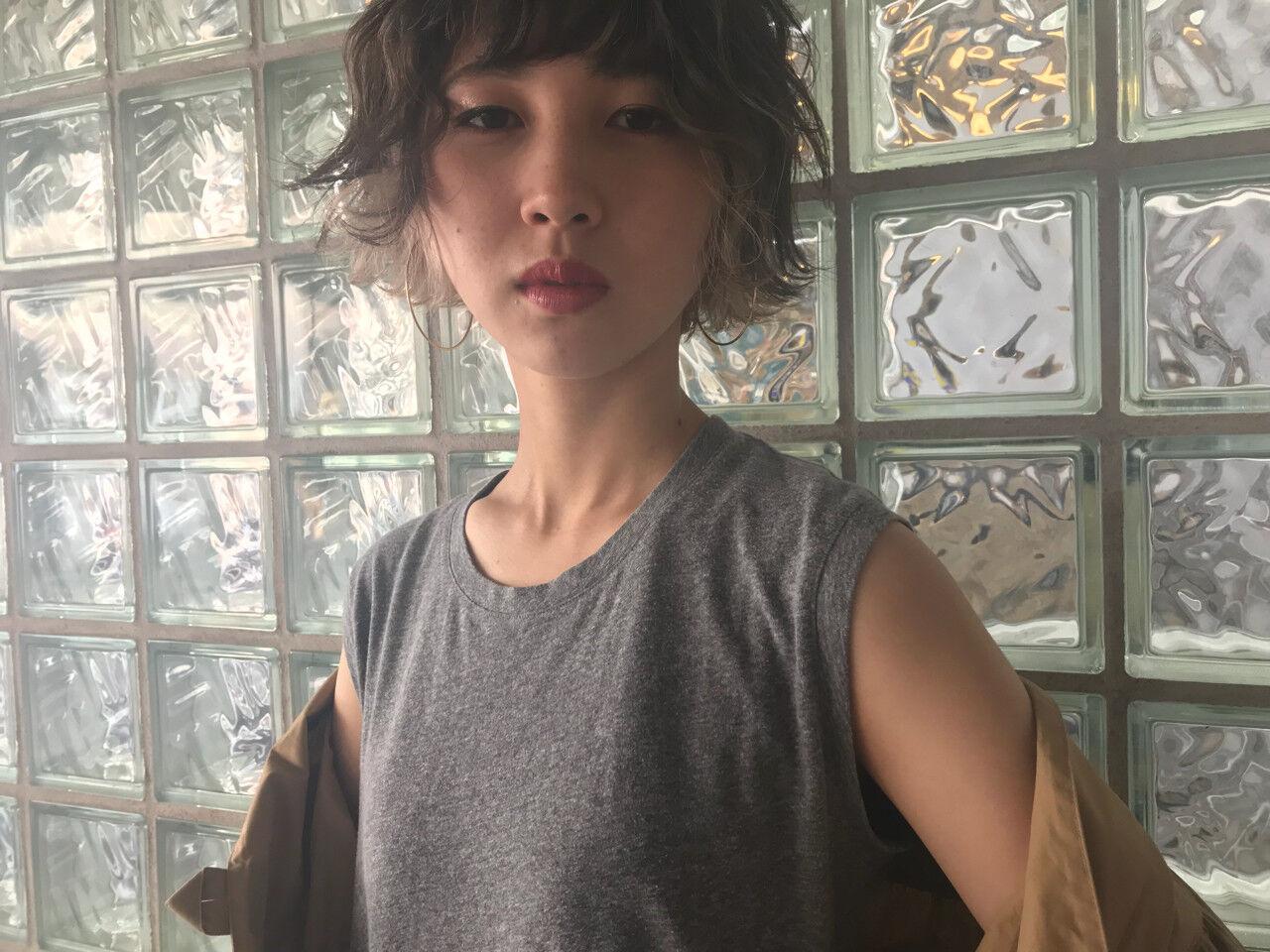 ブリーチ 外国人風カラー アンニュイ インナーカラーヘアスタイルや髪型の写真・画像