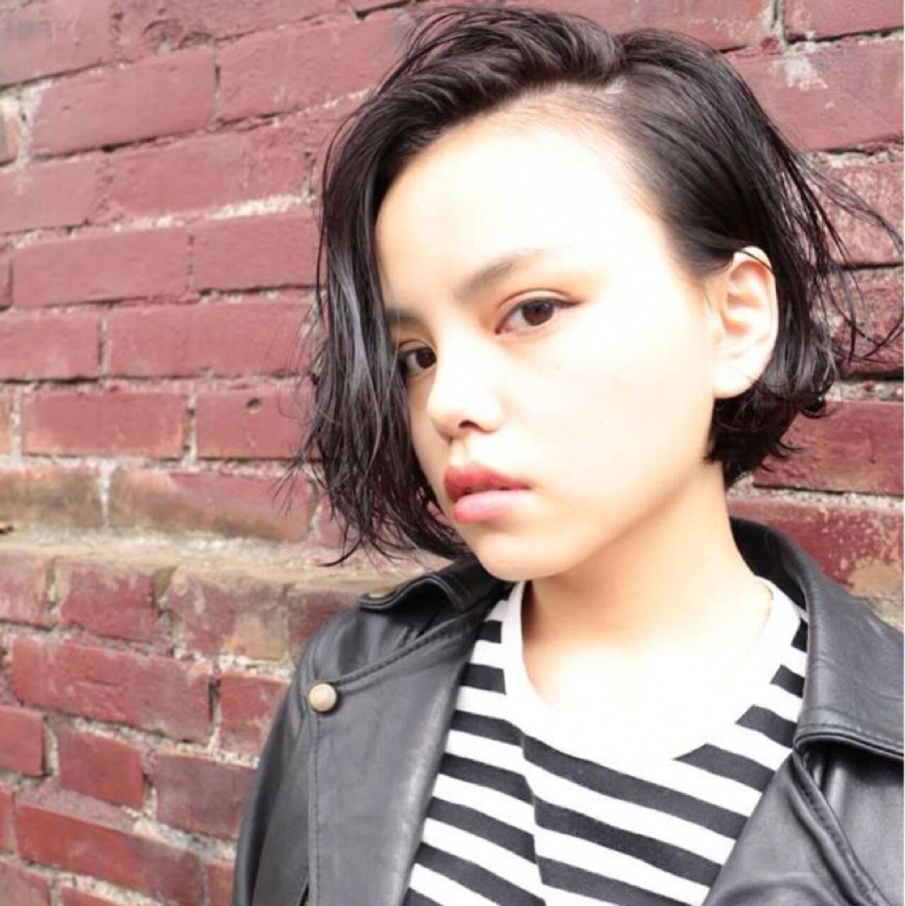 黒髪 ストレート 暗髪 ショートヘアスタイルや髪型の写真・画像