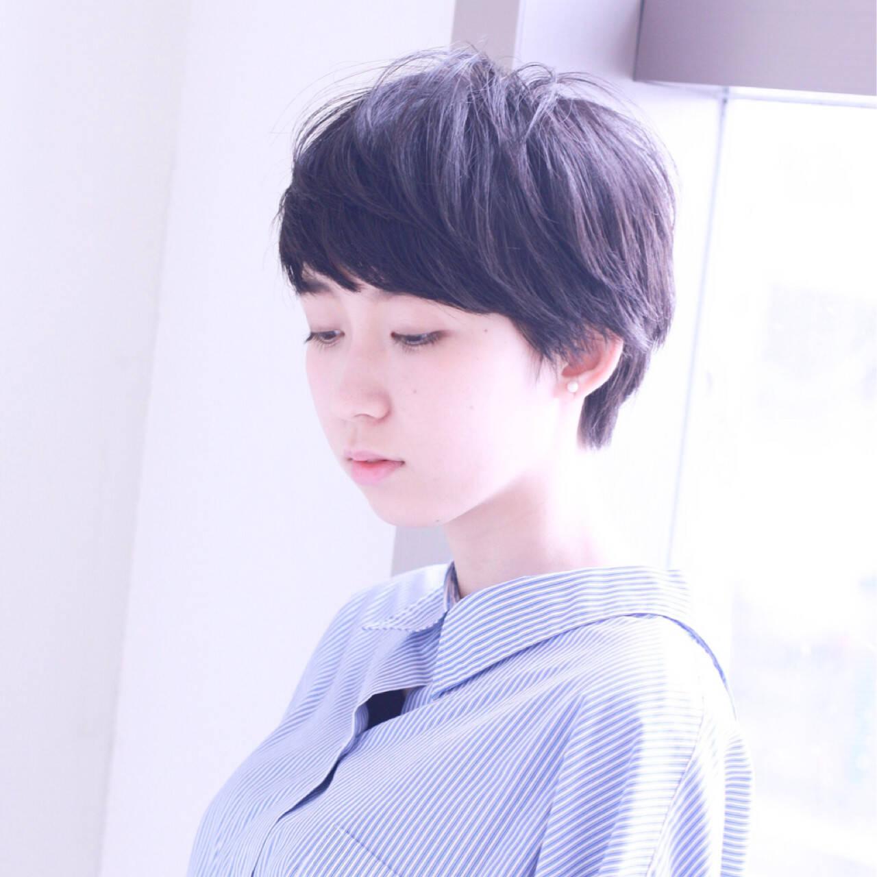ショート 黒髪 ナチュラル ピュアヘアスタイルや髪型の写真・画像