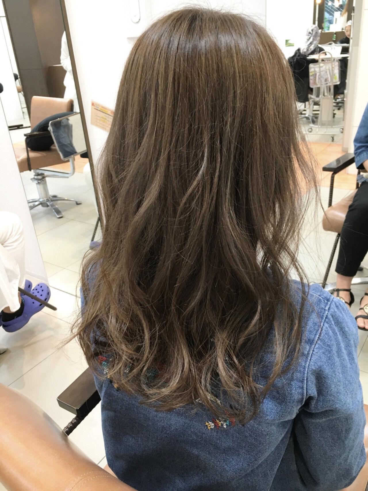 ロング 外国人風 アッシュ ガーリーヘアスタイルや髪型の写真・画像