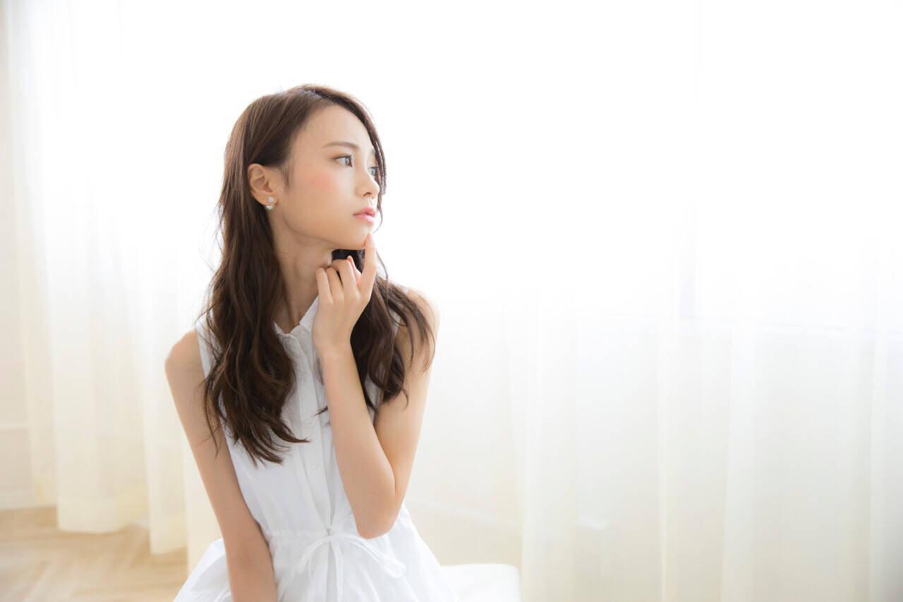 アッシュグレージュ 暗髪 簡単ヘアアレンジ ショートヘアスタイルや髪型の写真・画像
