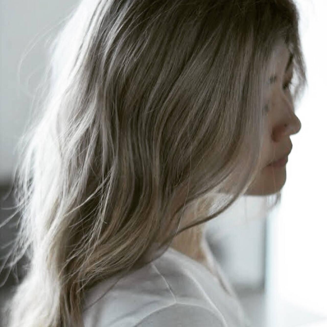 外国人風カラー ブリーチ ヘアアレンジ デートヘアスタイルや髪型の写真・画像