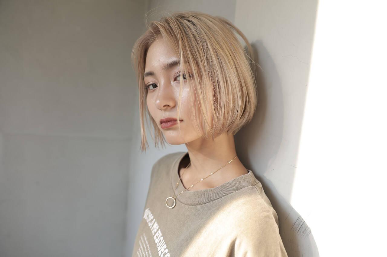 ブリーチ ハイトーン ボブ モードヘアスタイルや髪型の写真・画像