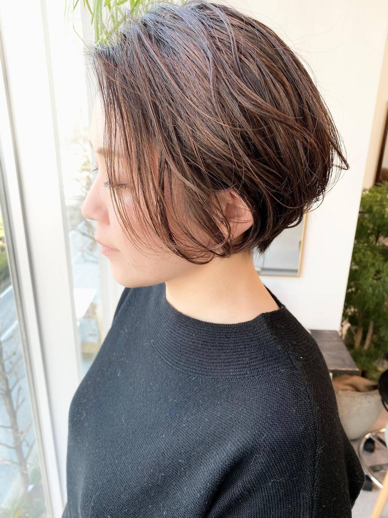 ベリーショート オフィス 大人かわいい ショートヘアスタイルや髪型の写真・画像