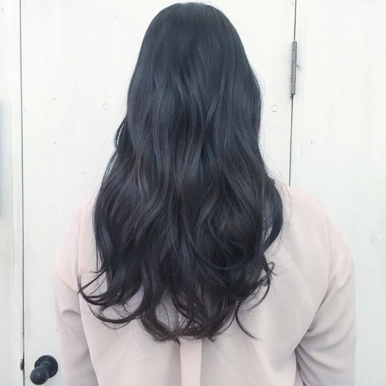 ネイビー 黒髪 ブルーアッシュ ブルーヘアスタイルや髪型の写真・画像