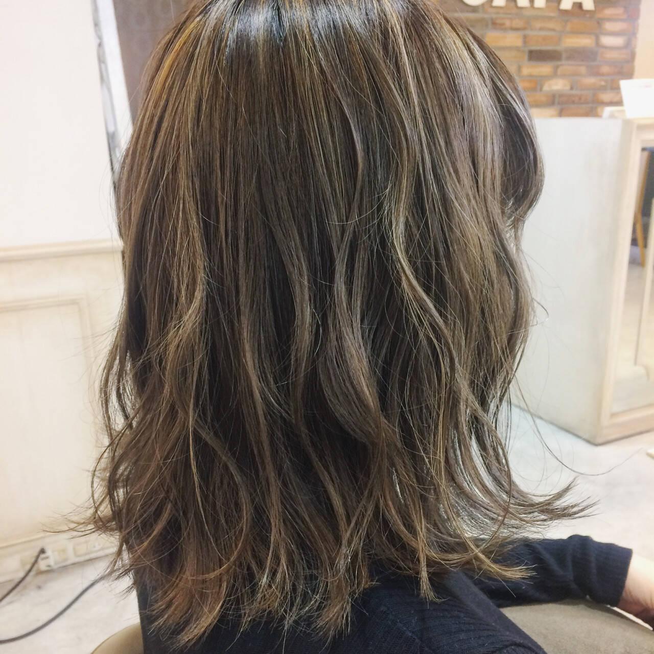 ボブ ハイライト ニュアンス 色気ヘアスタイルや髪型の写真・画像