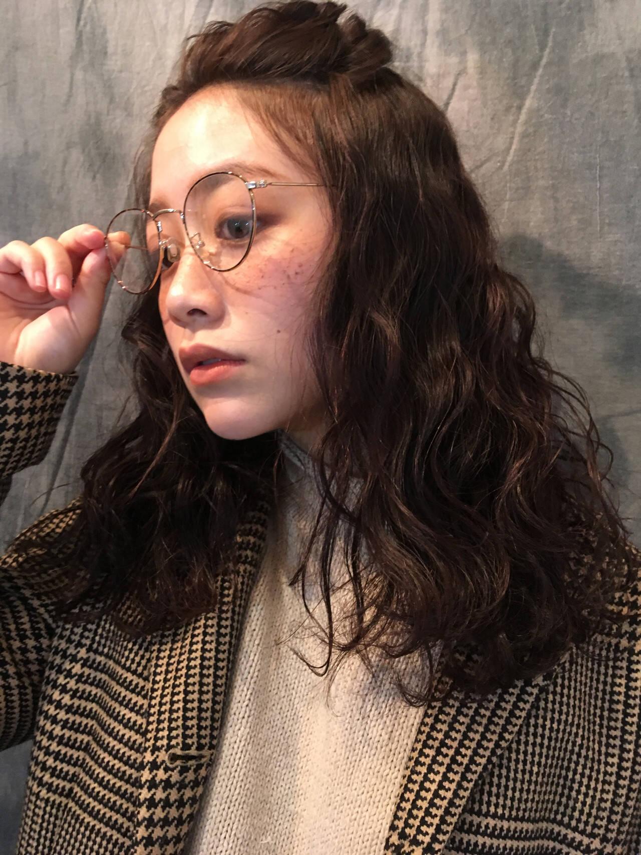 ナチュラル ヘアアレンジ 外国人風 波ウェーブヘアスタイルや髪型の写真・画像