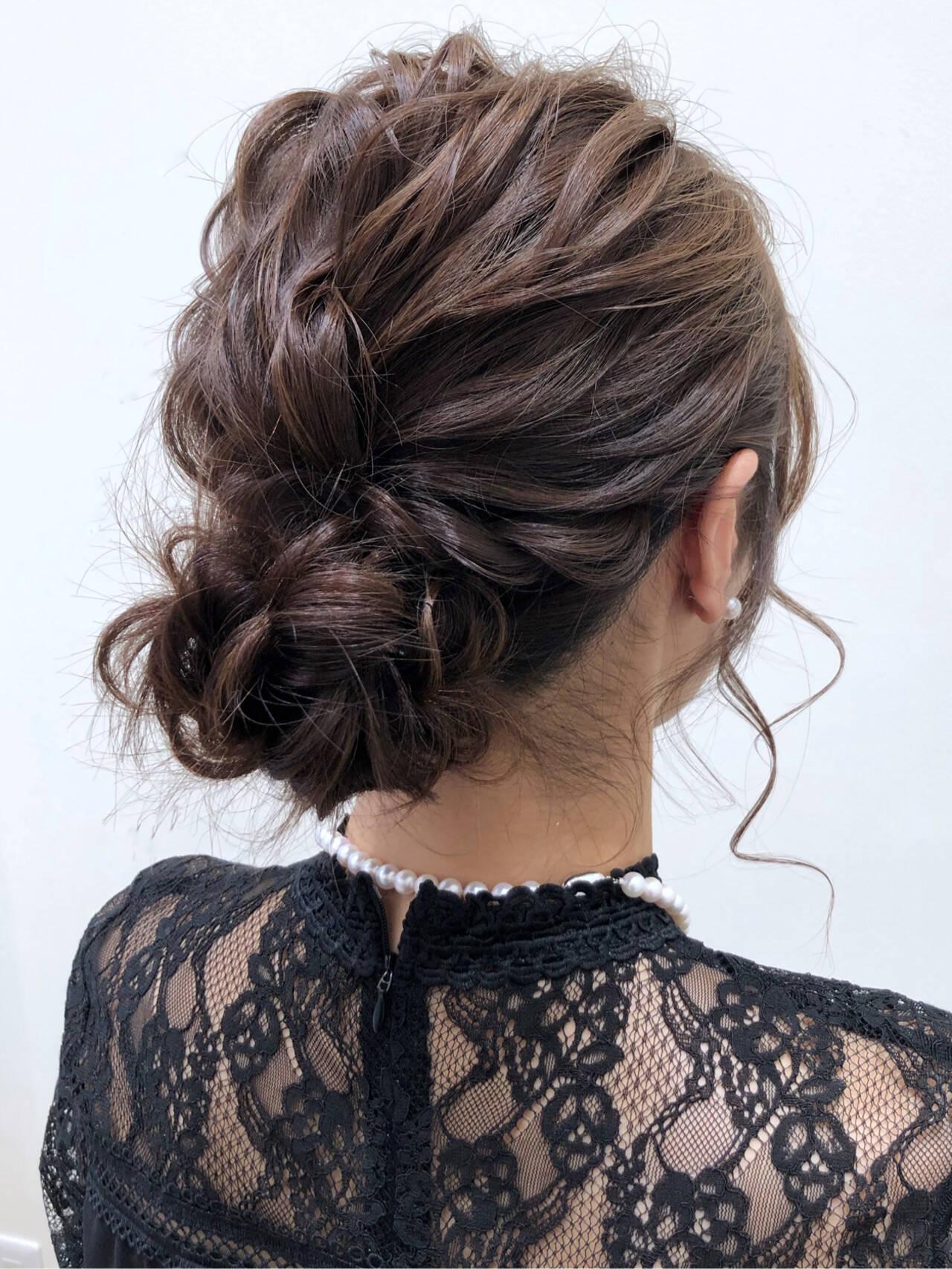 シニヨン ミディアム 結婚式 ヘアアレンジヘアスタイルや髪型の写真・画像