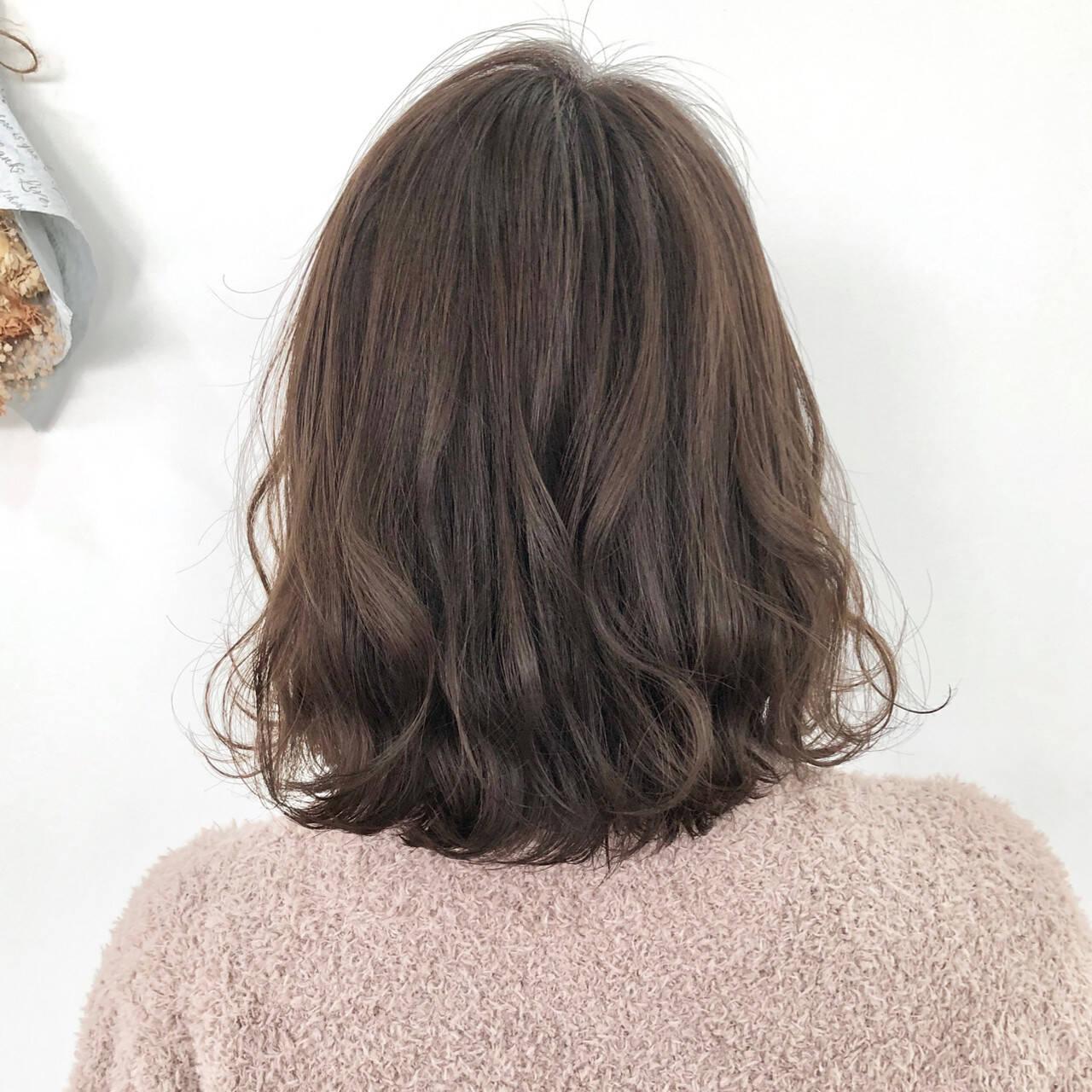 ミディアム デート アンニュイほつれヘア ヘアアレンジヘアスタイルや髪型の写真・画像