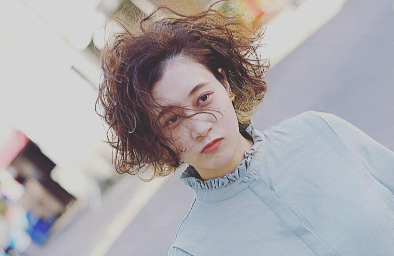 ストリート ショートボブ ボブ ウェーブヘアスタイルや髪型の写真・画像
