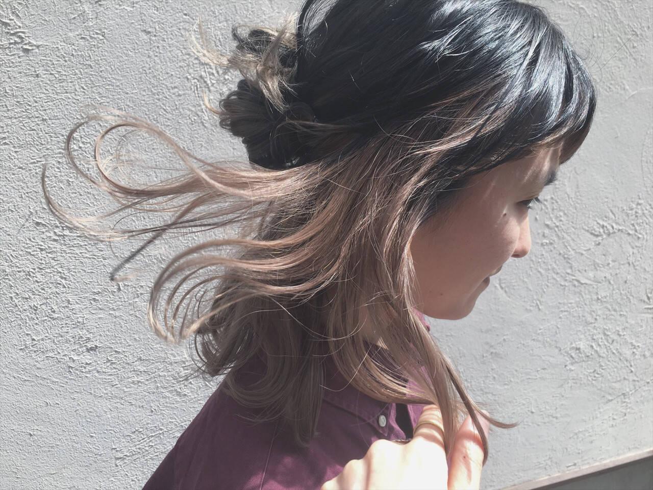 ストリート ハーフアップ インナーカラー ミディアムヘアスタイルや髪型の写真・画像