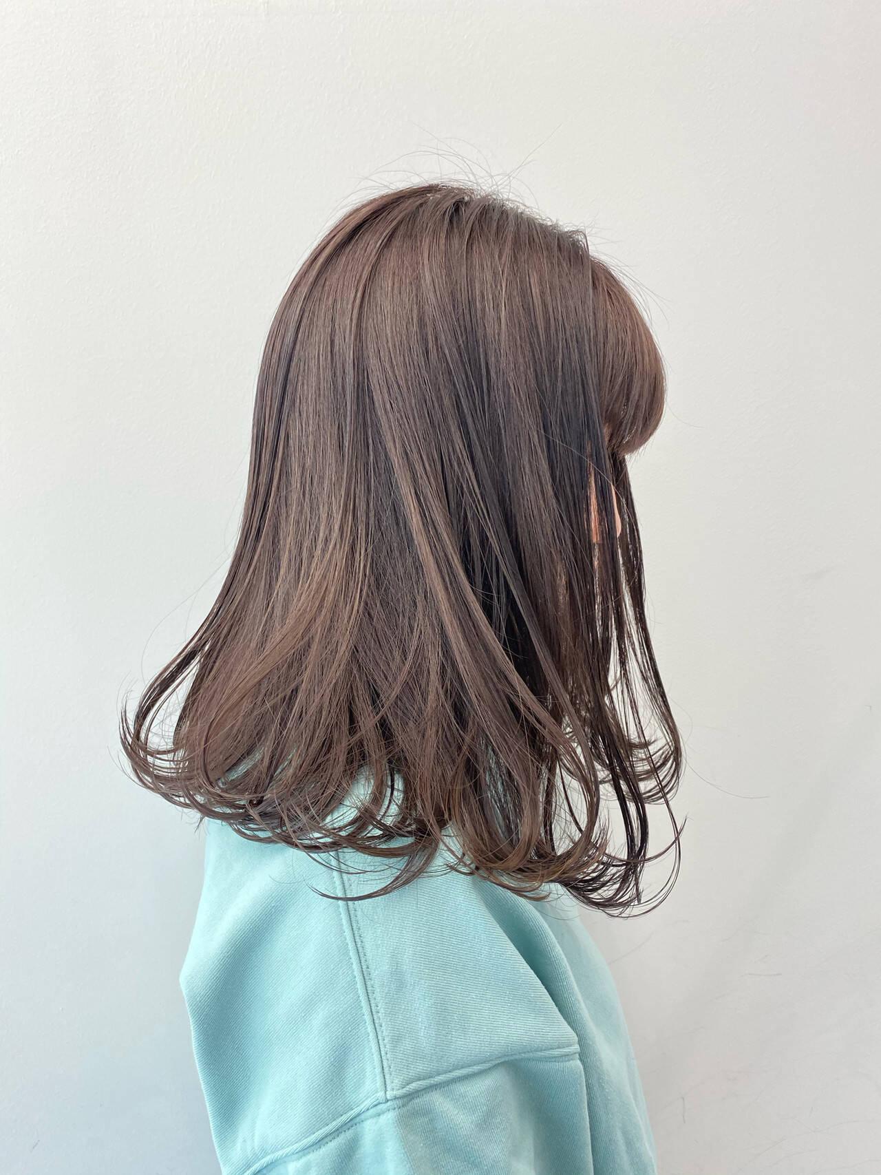 ラベンダーアッシュ デート フェミニン ラベンダーカラーヘアスタイルや髪型の写真・画像