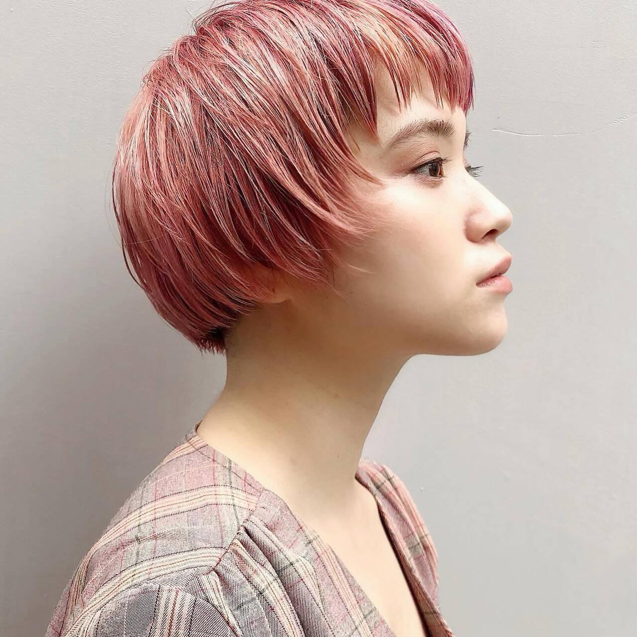 ピンクカラー ハイトーンカラー ミニボブ 横顔美人ヘアスタイルや髪型の写真・画像
