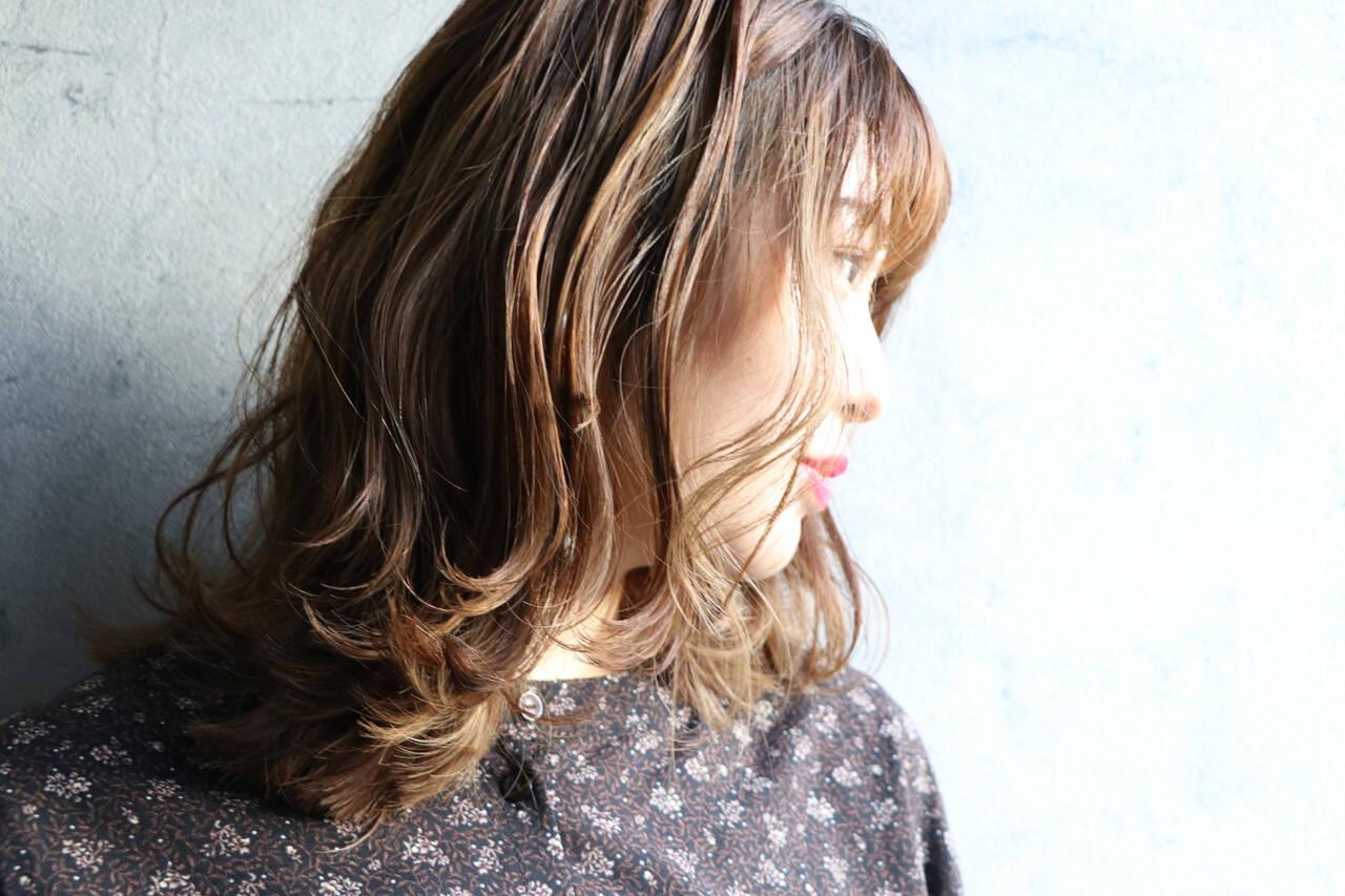大人かわいい セミロング ミディアムレイヤー レイヤーカットヘアスタイルや髪型の写真・画像