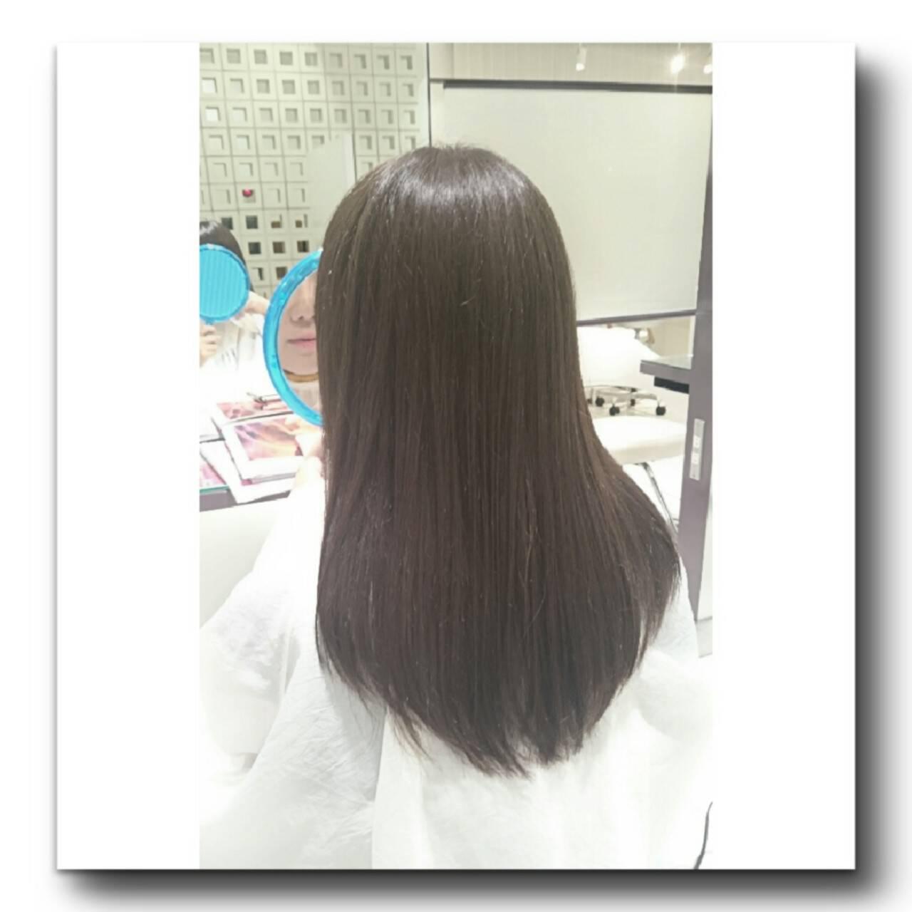 グレージュ アッシュ ストリート ロングヘアスタイルや髪型の写真・画像