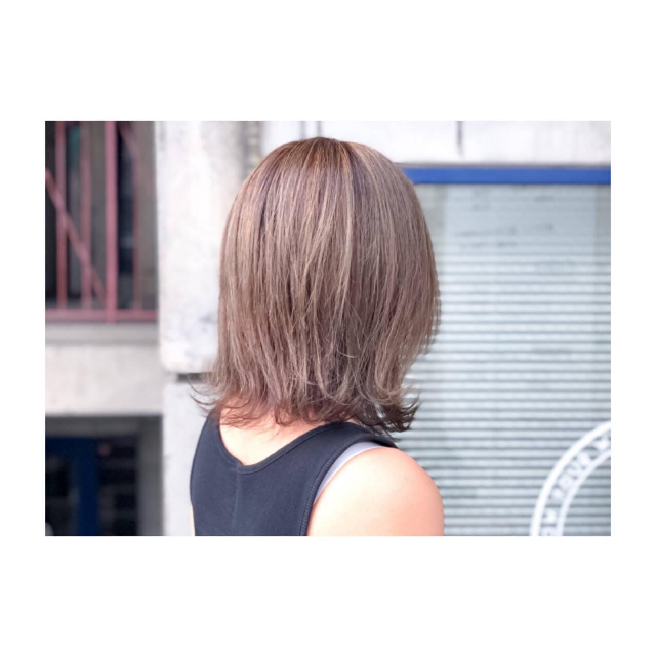 ナチュラル 透明感 グレージュ ボブヘアスタイルや髪型の写真・画像