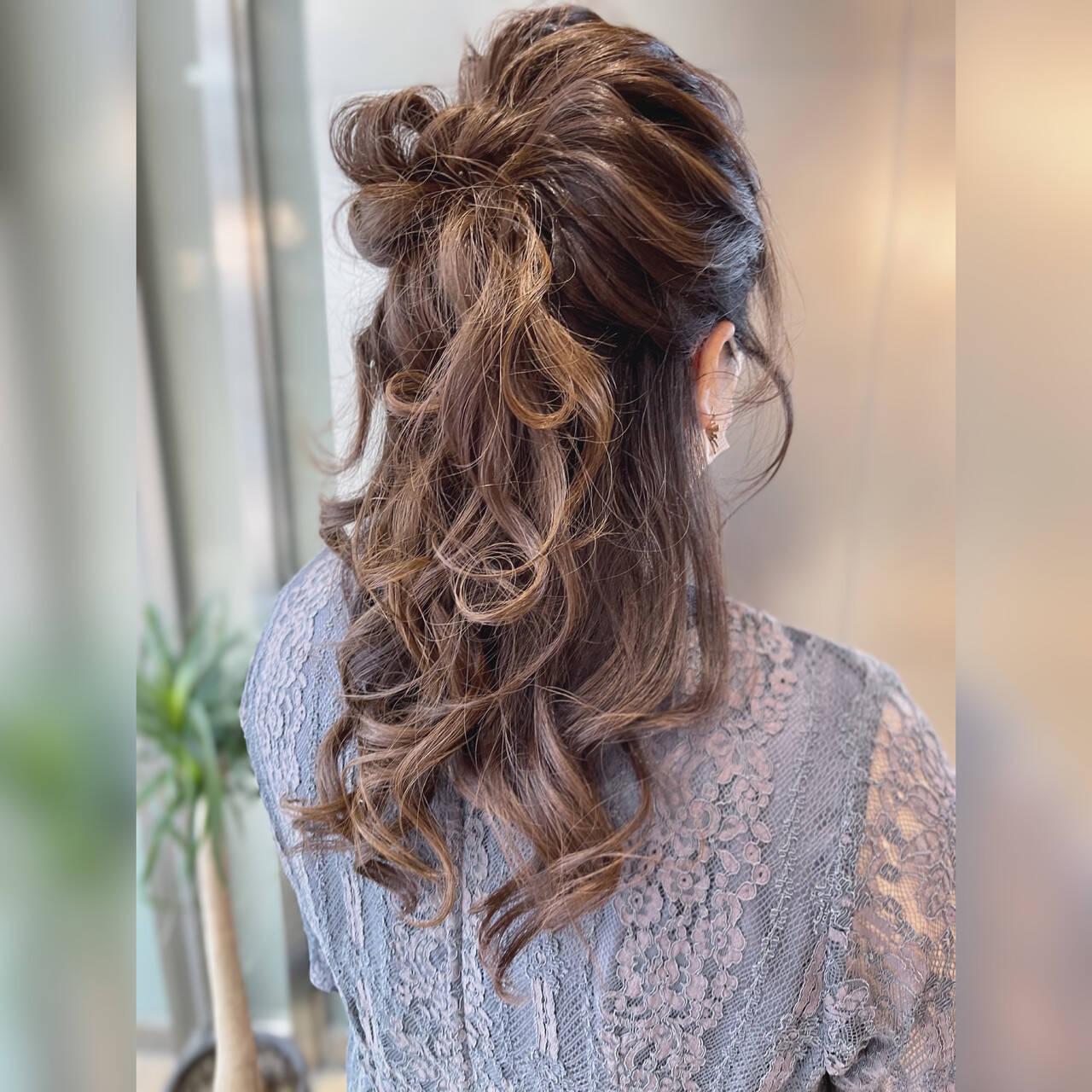 ハーフアップ フェミニン ヘアアレンジ 結婚式ヘアアレンジヘアスタイルや髪型の写真・画像