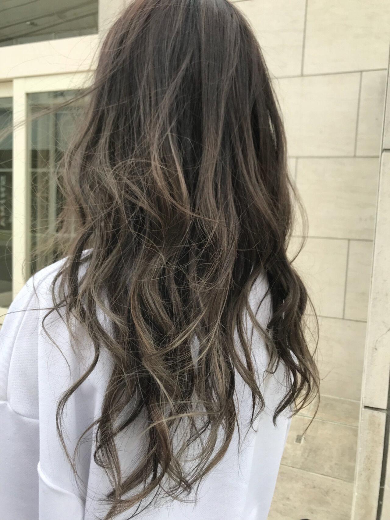 ハイトーン グラデーションカラー 外国人風 ナチュラルヘアスタイルや髪型の写真・画像