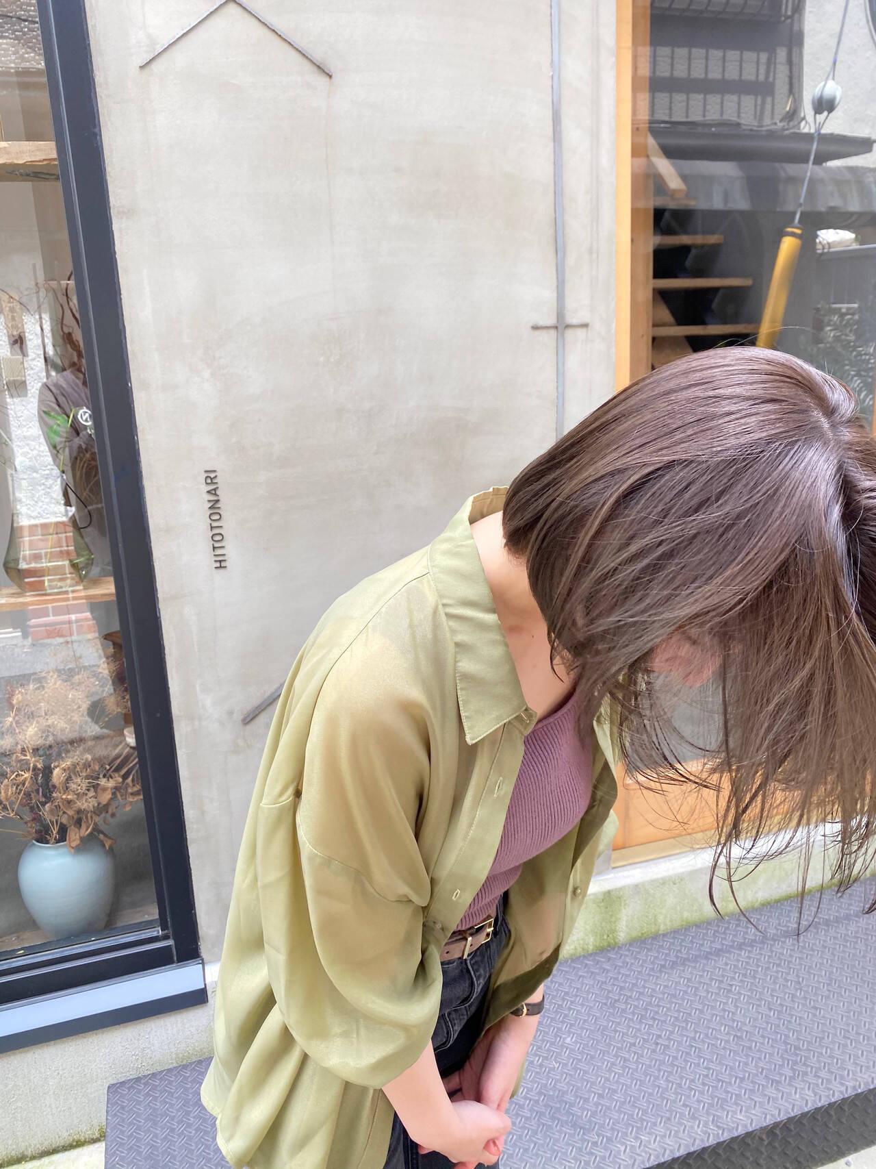 切りっぱなしボブ くすみカラー 透明感 お洒落ヘアスタイルや髪型の写真・画像
