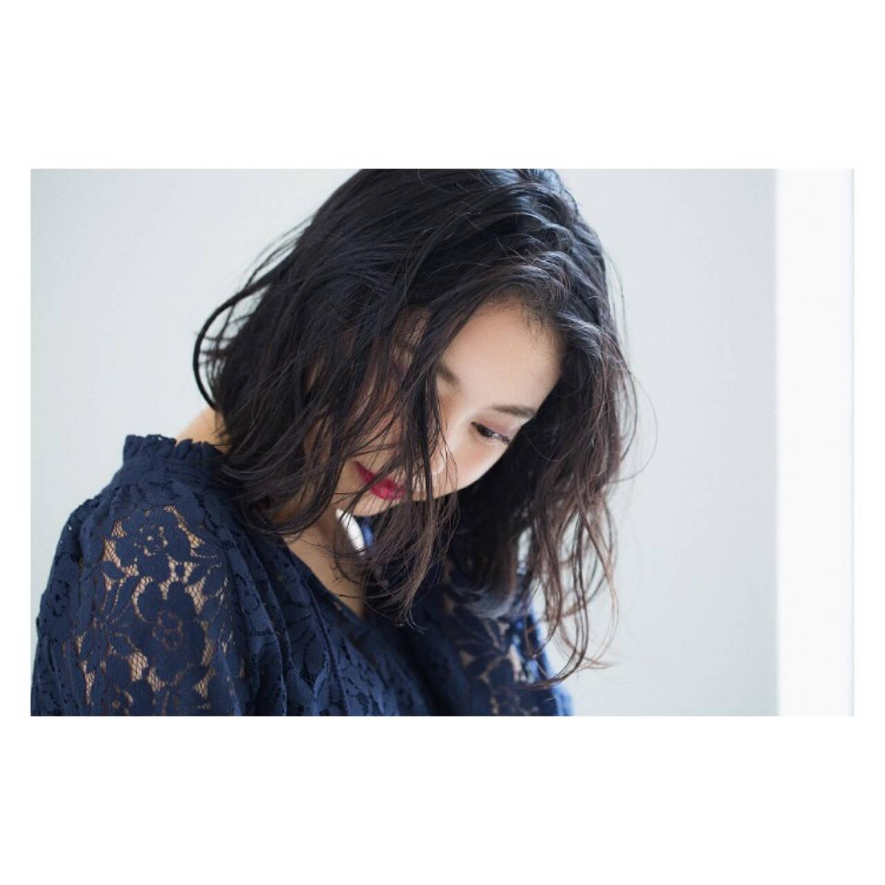 アンニュイ ゆるふわ パーマ リラックスヘアスタイルや髪型の写真・画像