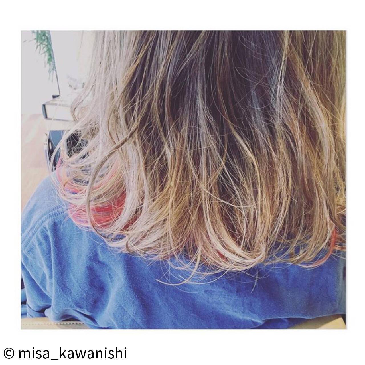 ハイトーン ピンク ウェーブ ハイライトヘアスタイルや髪型の写真・画像