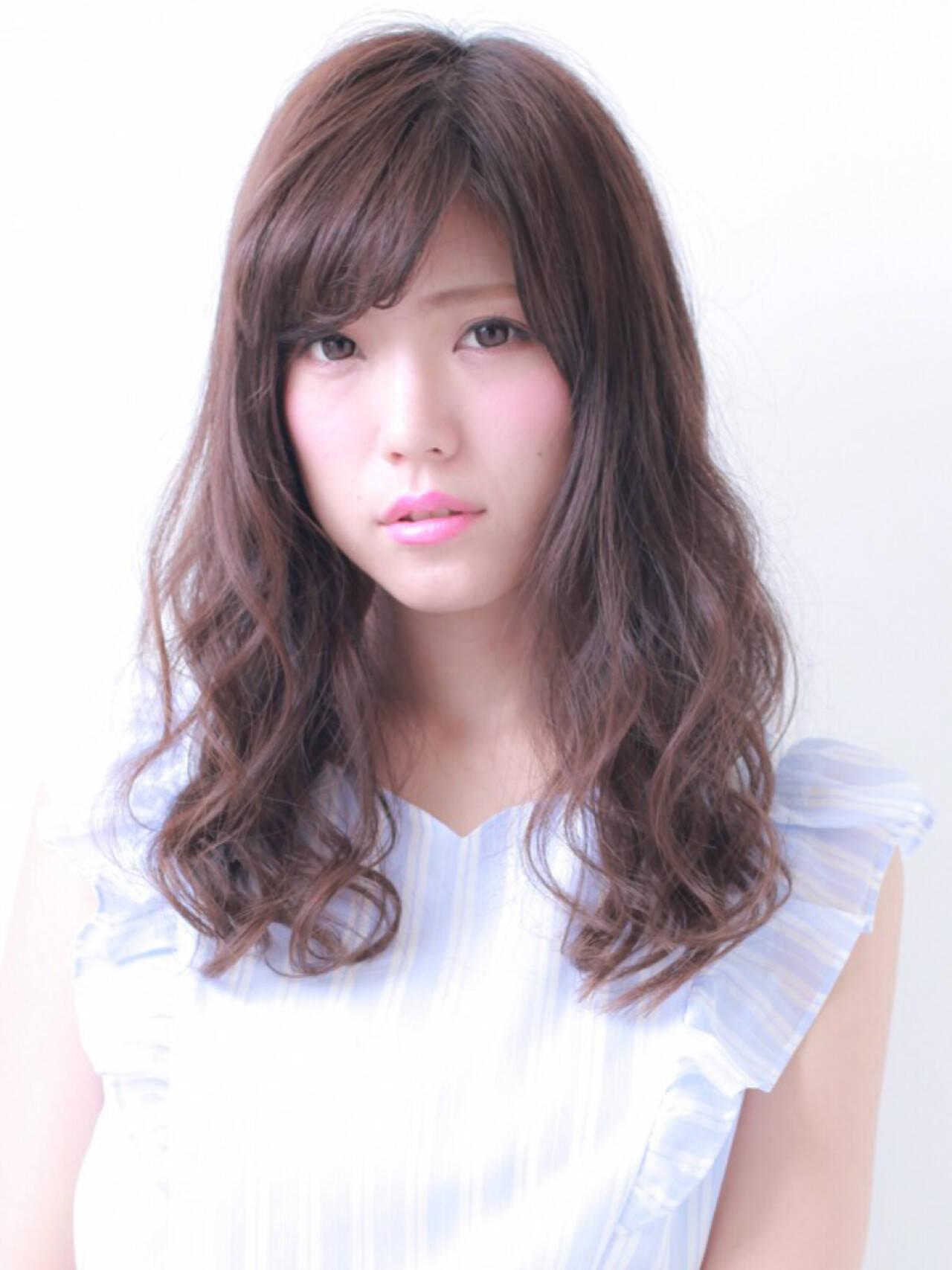 フェミニン セミロング モテ髪 透明感ヘアスタイルや髪型の写真・画像