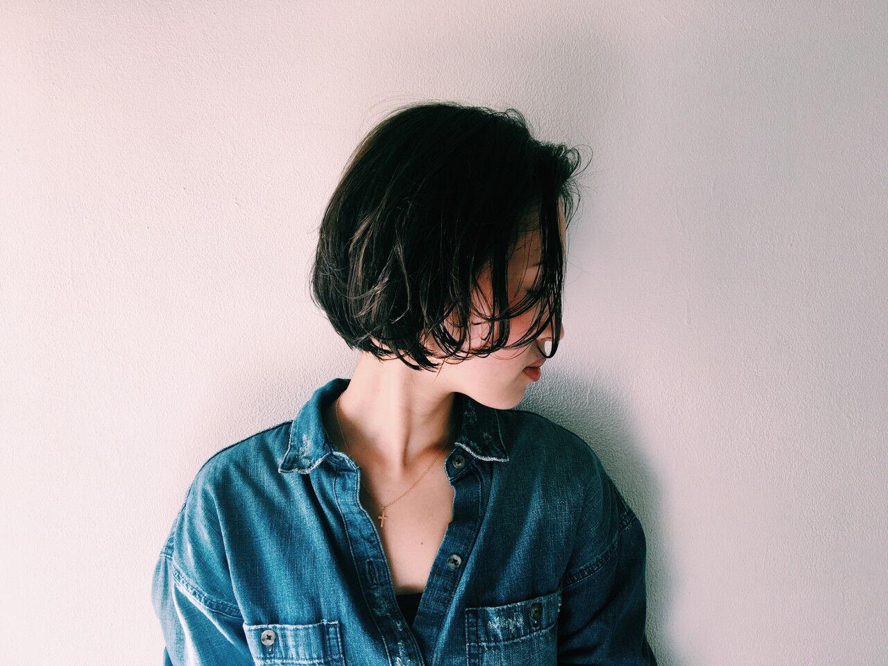 ショート ボブ 暗髪 ナチュラルヘアスタイルや髪型の写真・画像