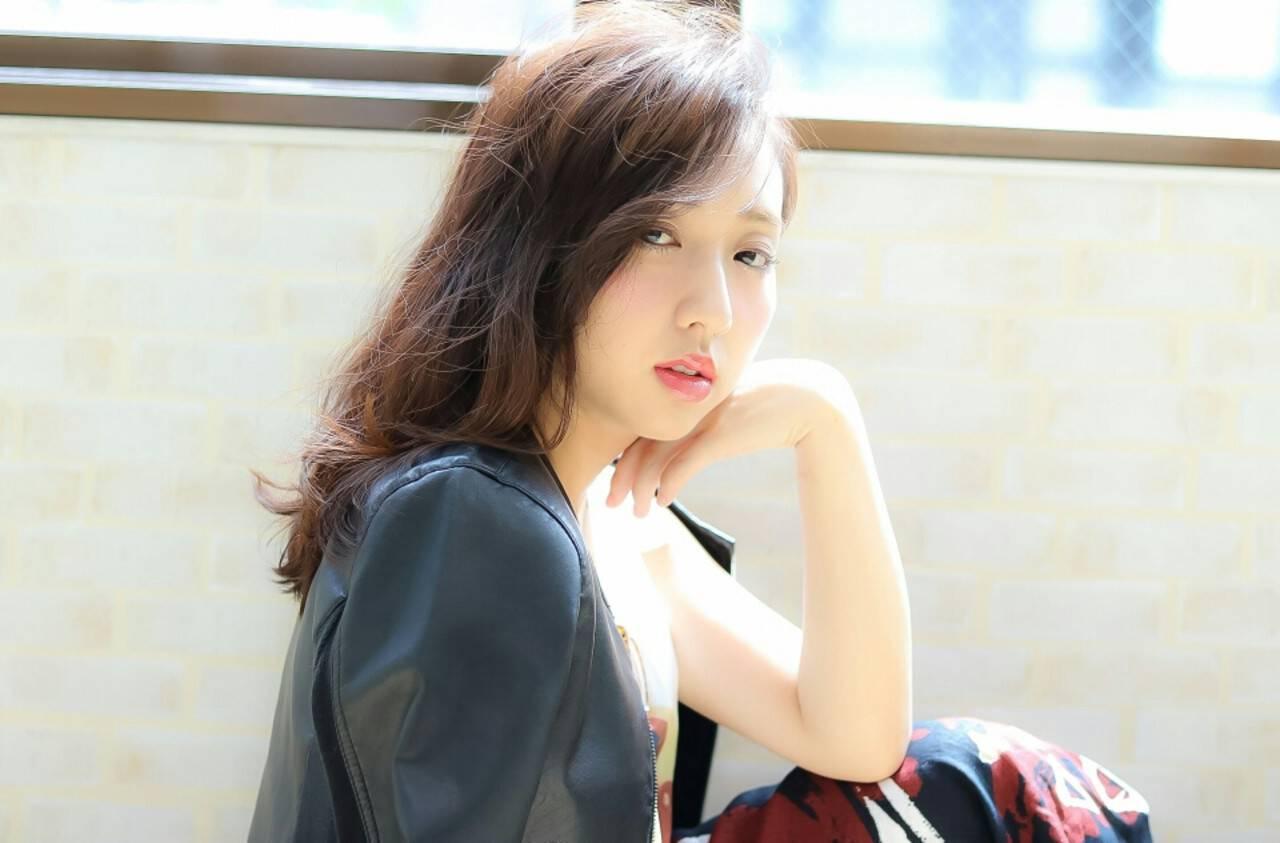 暗髪 大人かわいい ネイビー フェミニンヘアスタイルや髪型の写真・画像