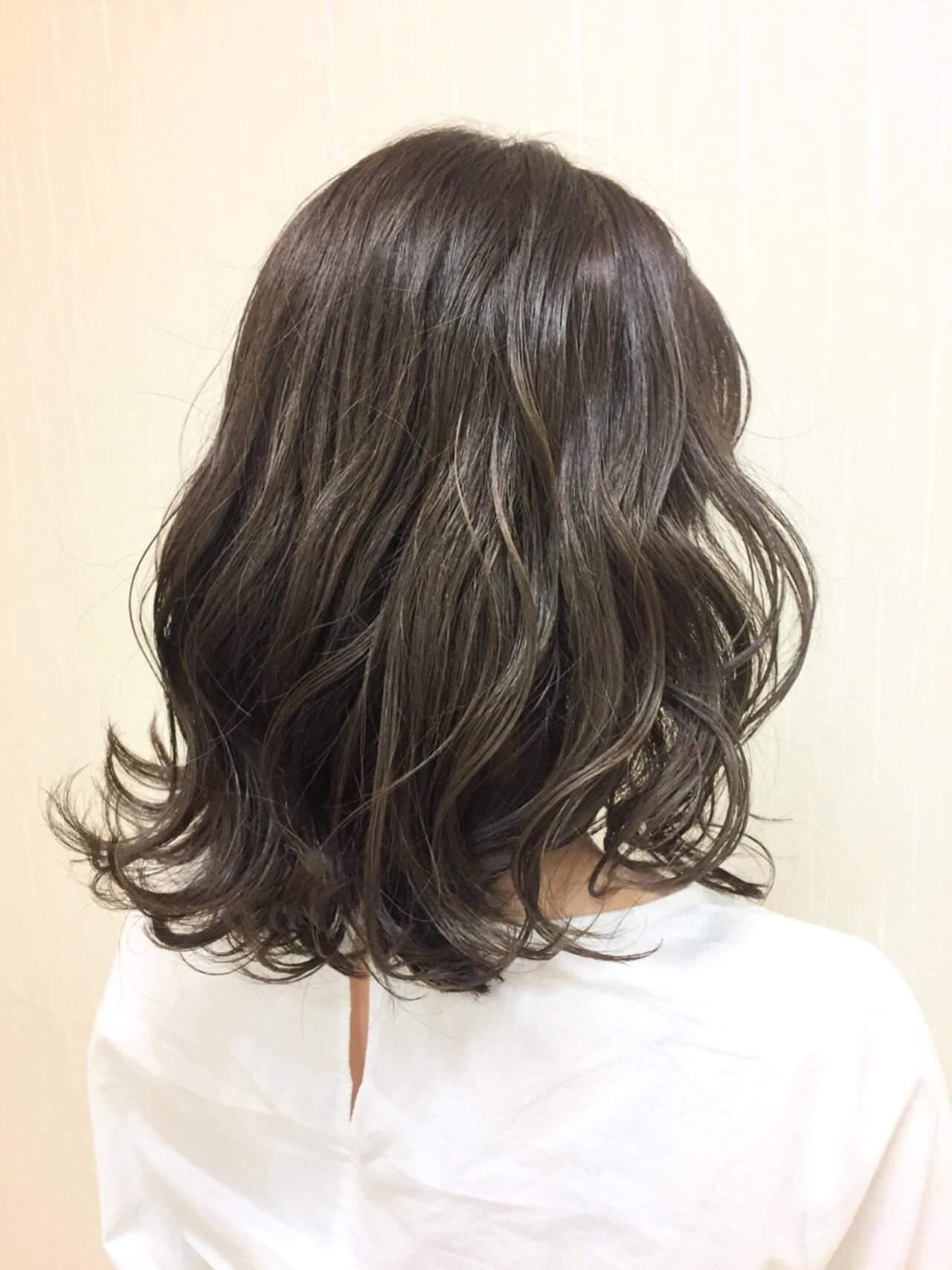 外国人風カラー グレージュ ナチュラル グラデーションカラーヘアスタイルや髪型の写真・画像