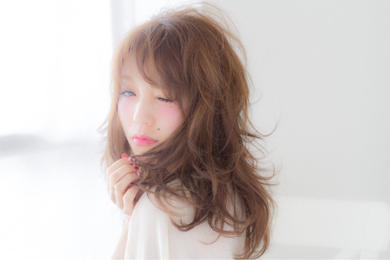 外国人風 セミロング 大人かわいい ナチュラルヘアスタイルや髪型の写真・画像